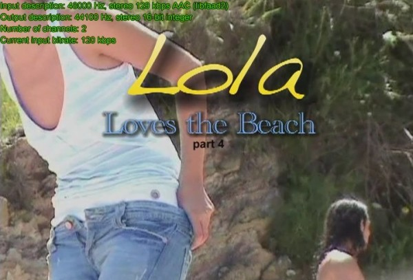 Lola loves the beach (vol.4)