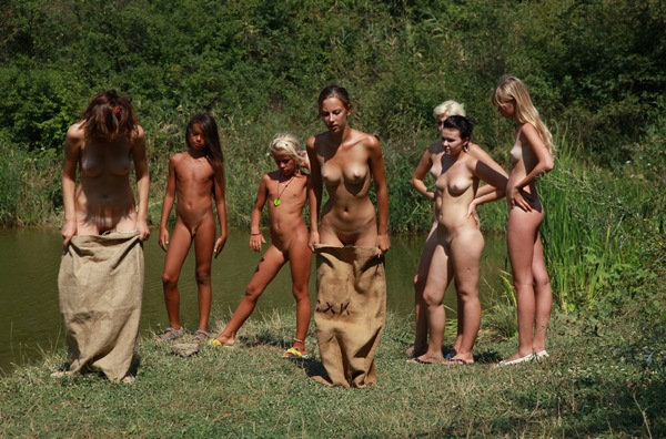 Nudist photos of families and women